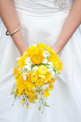 Buttercup-wedding-bouquet