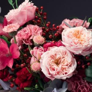 Jesienne kompozycje z owocową różą