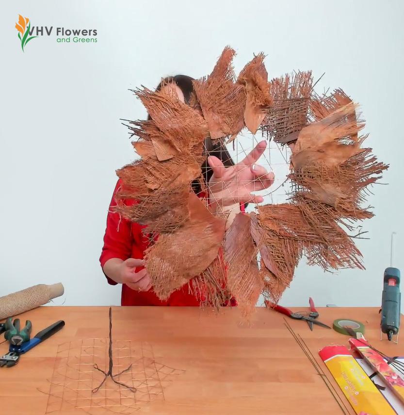 jak zrobić bukiet z kryzą z kory palmowej