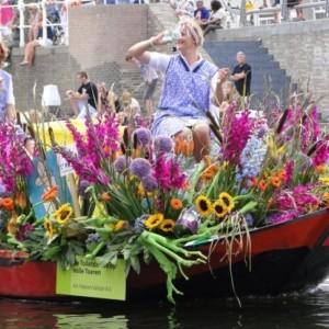 Varendcorso – pływające wydarzenie pełne kwiatów, warzyw i owoców