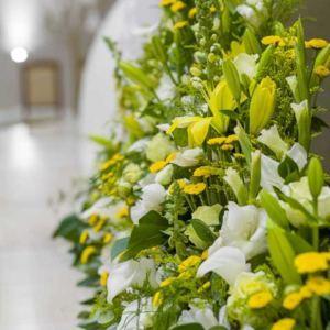 Żółto-biały, czyli jajo w Kościele