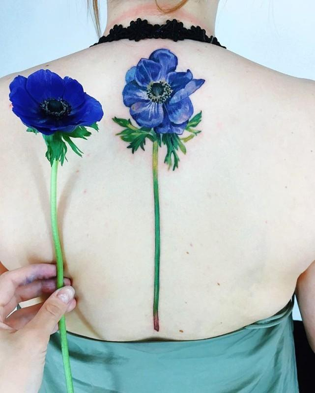 tatuaż roślinny