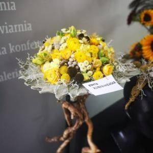 """Wystawa prac dyplomowych """"Kwiaty"""" w Opolu"""
