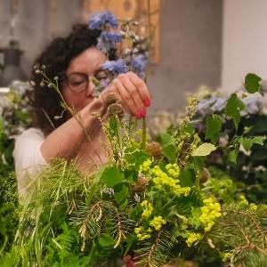 bukiet z leśnych i polnych kwiatów