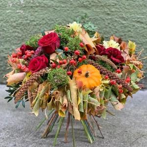 Jak wykonać jesienny bukiet z kryzą z liści (krok po kroku)